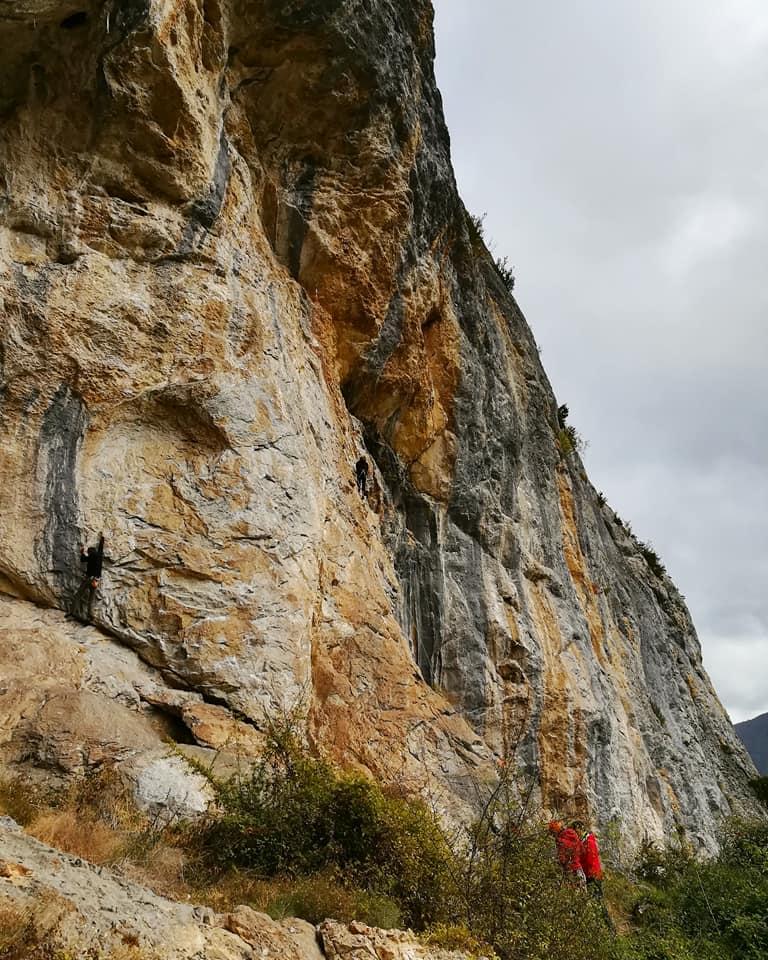 GC - escalade en ariege - falaise de genat - koan