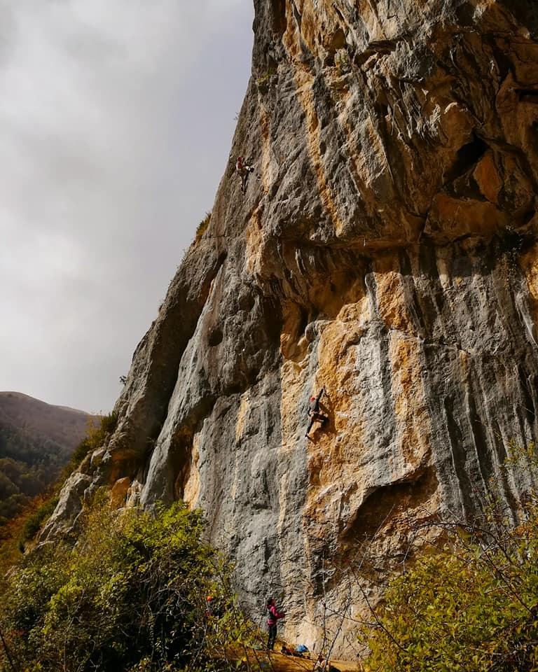 GC - falaise de génat - ariege - grotte
