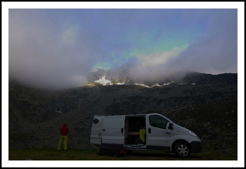 Mai 2016 - Notre ancien camion et ambiance brumeuse!
