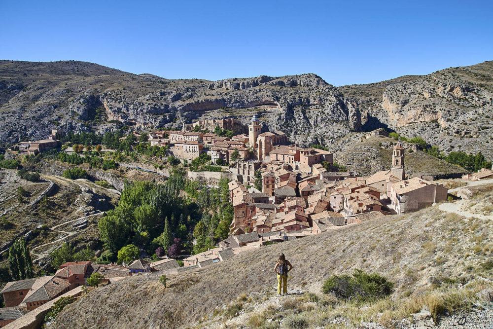 Vue générale du village d'Albarracín depuis les remparts