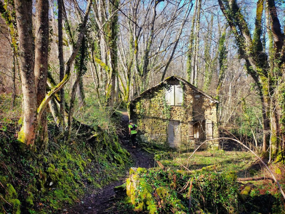 14/02/21 - ANcien hameau en ruines après le col d'Ijou
