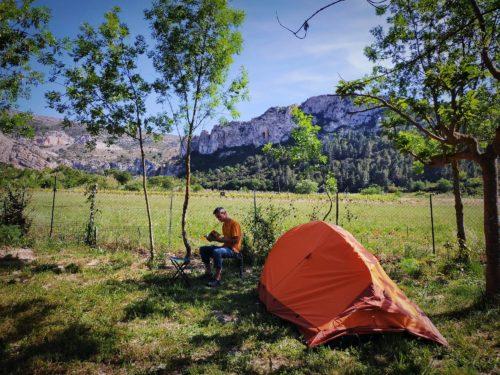 Notre Green Traveller étant chez le garagiste, nous avons sorti la tente - mai 2021
